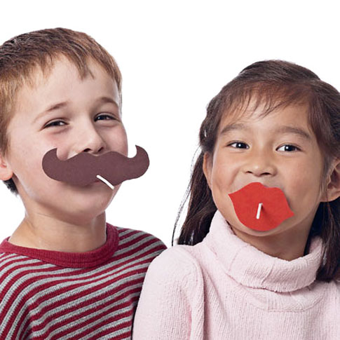 lollipop-lips-moustache-funny-rose-red-v-day-valentines-craft-preschool-kids-childen-fun-cute-theme-easy-diy-idea-friends-special-inexpensive-handmade